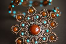 Wire wrapping and weaving