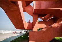 Intervenção Urbana / Esculturas, Montagens, Iluminações, Projeções e Equipamentos que promovem Intervenções dentro e fora da Cidade