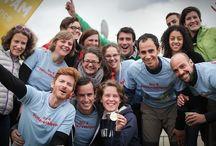 Trailwalker / Le Trailwalker Oxfam est un des défis sportifs et solidaires par équipes le plus important au monde.  Le principe : des équipes de quatre personnes parcourent 100 km en moins de 30 heures. En amont, chacune des équipes réunit au moins 1 500 euros de dons, au profit des actions d'Oxfam France.   Créé il y a 30 ans à Hong Kong, le Trailwalker Oxfam est notamment présent en Australie, en Inde, en Nouvelle-Zélande, au Japon, en Espagne, en France, en Allemagne, au Canada et au Québec.