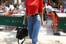 jeans com blusa vermelha