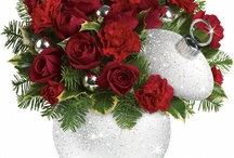 Fresh Centrepieces for the Holidays / These beautiful arrangements would look great on your table or at a loved ones home