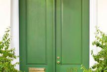 The Doors of Charleston / Stately entryways from the Holy City, Charleston, South Carolina