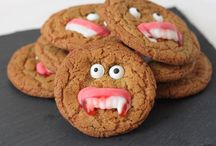 Creative cookies / Mmmmm, all sorts of cookie recipes, from choc chip to vanilla and beyond.