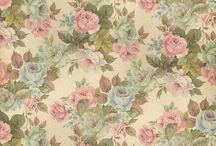 Old rose wall paper