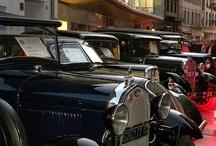 Festival Automobile Mulhouse / En juillet de chaque année, Mulhouse devient la capitale de l'automobile. Des milliers d'amateurs viennent y dévoiler leurs voitures anciennes et restaurées. Des manifestations s'y déroulent pendant 3 jours : concerts, défilés, expositions de voiture... A découvrir pour petits et grands !