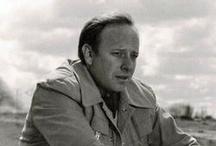 Manuel Summers  / Manuel Summers Rivero  (26 de marzo de 1935-12 de junio de 1993),  director de cine y humorista español.  Nació en Huelva, en el seno de una familia andaluza burguesa de origen inglés.  Es padre del cantante David Summers del grupo Hombres G y hermano del periodista Guillermo. Sus películas se caracterizan por una mezcla de humor negro y carácter satírico.