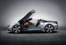 BMW i8 Concept Spyder / eDrive teknolojisiyle BMW i8 Konsept Spyder, elektrikli ve yanmalı motorun belirgin avantajlarını sunan yüksek performanslı bir hibrit otomobil. Akıllı tasarımı ve BMW eDrive teknolojisinin bileşimiyle, yakıt tüketimi küçük bir arabanınkiyle eşdeğer olan bu yeni model, bir spor otomobilin performansına sahip. Şimdi keşfedin ;) www.bmw-i.com