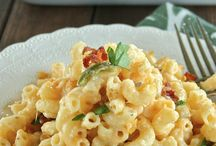 Savory Food / Yummy dinner ideas and recipes for busy moms! / by Holly Hanna - The Work at Home Woman