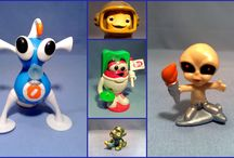 Space & Robot Figures in plastic & metal / Small Collectible Space Figures
