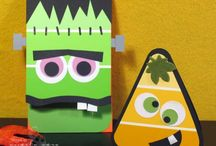 Spooky Crafts! / by Lorena Rivera