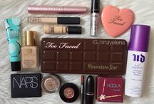 Capsule Makeup Collections