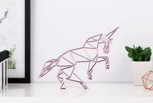 Origami aus Holz / Figuren aus Holz im Origami Style - Sternzeichen, Tiere oder Anker. Alle Figuren sind handgefertigt und aus Holz - zum Dekorieren und Verschenken.