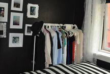 Black & white / Black bedrooms
