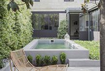 Une piscine :)