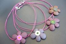 Collane con fiori di finta pietra