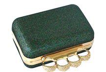 Kiegészítők / Gyűrű, táska, ékszer