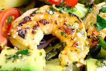 avo and shrimp salad