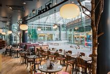 Zizzi Victoria / Right in the heart of London's dazzling West End, our Victoria restaurant is a favourite among the 9 to 5ers & theatre goers alike. With the likes of Billy Elliot, Wicked and Victoria Station less than a 5 minute walk away, we're in good company. Inside the restaurant, you'll find nods to one of London's busiest train stations: Victoria. Whether you're arriving in London or just in between trains, stop by and take a load off. After all, travel can be terribly stressful.
