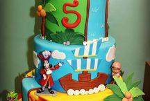 Pirate birthday cakes and cupcakes