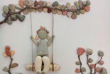 deniz kabukları ve taşlar