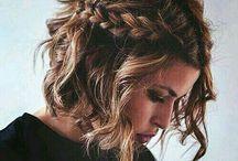 Hairstyle ❤ / L'acconciatura giusta può rendere bellissima una donna ordinaria, mentre una bella donna diventa indimenticabile.