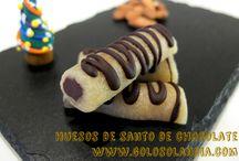 Huesos de santo de chocolate / Exquisito dulce: Huesos de santo de chocolate. Fácil receta paso a paso. (incluye video)  http://www.golosolandia.com/2015/01/huesos-de-santo-de-chocolate.html