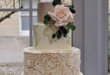Travel wedding cakes