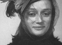 """Niki De Saint Phalle / """"Le sculture hanno uno sguardo malinconico, con una certa bellezza triste. Il mio scopo, tuttavia, è fare un giardino di gioia"""" Niki De Saint Phalle, in riferimento a il Giardino dei Tarocchi"""