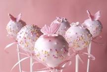 Cake pops/Truffles / by Helen Sari