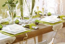 Christmas Table Decorations / by ModernistMaude