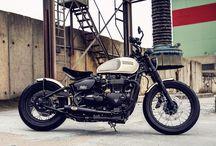 Triumph Bonneville Bobber customized