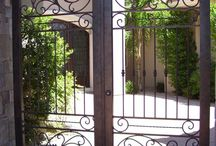 Uși si porti