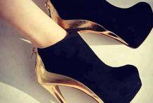 Heels / by Mguri
