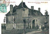 Chasse aux vieilles demeures / [Venez découvrir et compléter notre galerie d'images : http://www.geneanet.org/gallery/]