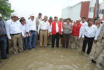 14 08 2012 Trabajamos unidos en la reparación y reconstrucción de las afectaciones / El gobernador Javier Duarte de Ochoa anunció la construcción de un dren pluvial y la suspensión del cobro de agua potable.  Esto como parte de la reparación y reconstrucción de las afectaciones que provocó la tormenta tropical Ernesto