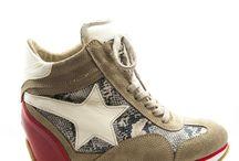 Kadin spor ayakkabi / Dolgu topuk, yuksek topuk kadin spor ayakkabilari