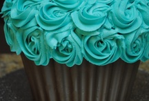 Commander Redhead's Cupcakes! / Cupcake recipe, icing and decorating ideas / by Allison Thomason