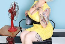 Plussize Pinup