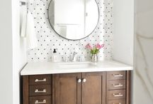 Small Bathroom's