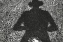 Вивьен Майер / Vivian Maier / Vivian Maier родилась 1 февраля 1926, Нью-Йорк. Умерла 20 апреля 2009, Чикаго — американская фотохудожница, работавшая в жанре уличной фотографии.