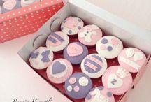 Cupcake Hikaye Kutuları / Sevdiklerinizi ve duygularınızı anlatan detayları cupcakelere işliyoruz.