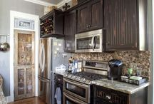 Kitchen / by Melissa DeShon