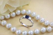 Inele cu Diamante & Pietre Pretioase / Am ales sa cream o serie de bijuterii si inele cu diamante si pietre pretioase ca smaralde, rubine, safire si tanzanite. Aceste inele superbe cu pietre pretioase pot fi daruite ca inele de logodna non-tradiționale sau cadouri uimitoare.  https://www.royaldiamante.ro/inele-cu-diamante/inele-cu-pietre-pretioase
