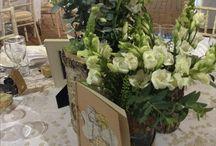 White Wedding Flowers - Barn / Beautiful Barn with elegant white flowers