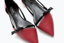 Ayakkabı\Shoes / Modahane ayakkabı dünyasının da nabzını tutuyor. En güzel en farklı ya da en moda ayakkabı modellerinin hepsini sitemizde bulabilirsiniz. Modahane günün her vakti güncel kalmayı ve her zaman kaliteli içerikler sunmayı hedefleyen bir moda sitesidir.