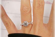 Platinum Petite Diamond Halo Engagement Ring James Allen / I love it!! #I do. James Allen *Platinum Petite Diamond Halo Engagement Ring* / by Lucy Lynn