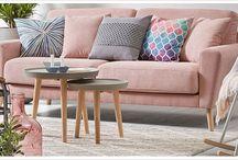 Merk | LaForma | DesignOnline24 / Een populair Spaans designmerk dat sinds 1982 prachtige meubels ontwerpt. Dat is LaForma. Ook al is LaForma Spaans, het merk is toch trendsetter op het gebied van de populaire Scandinavische look, en dan vooral als het gaat om witte meubels met houtaccenten.