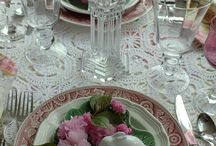 Table settings / by Juli Vieira
