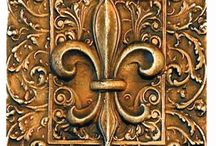 Fleur de Lis / Symbol of New Orleans, among other places.