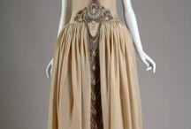 1920-1929 Robes de Style